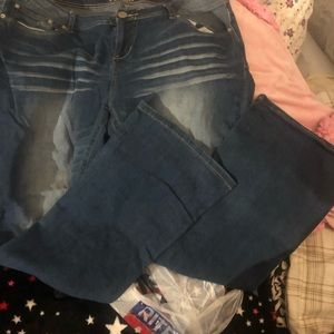 Sz 17 reign distressed denim jeans juniors plus